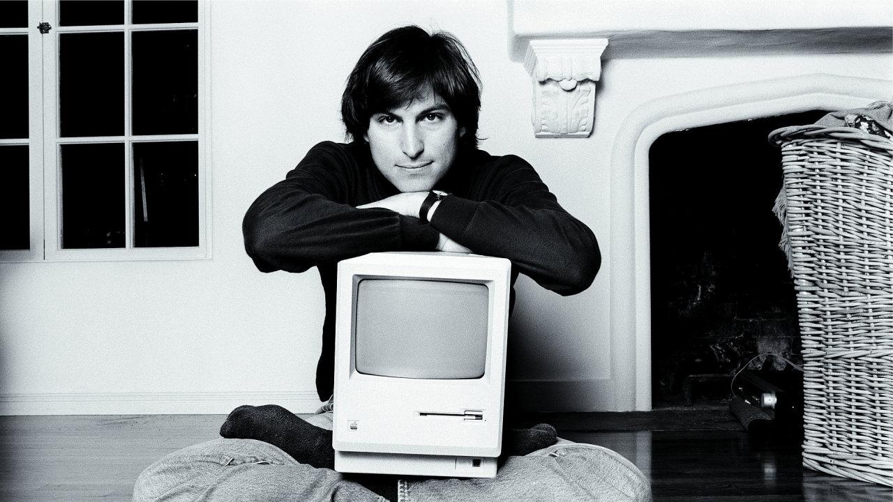 Steve Jobs na archivním snímku