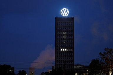 Nové kruhové logo obsahující písmena VW má plochý dvourozměrný design, je jasnější a má symbolizovat přechod značky k elektromobilitě.