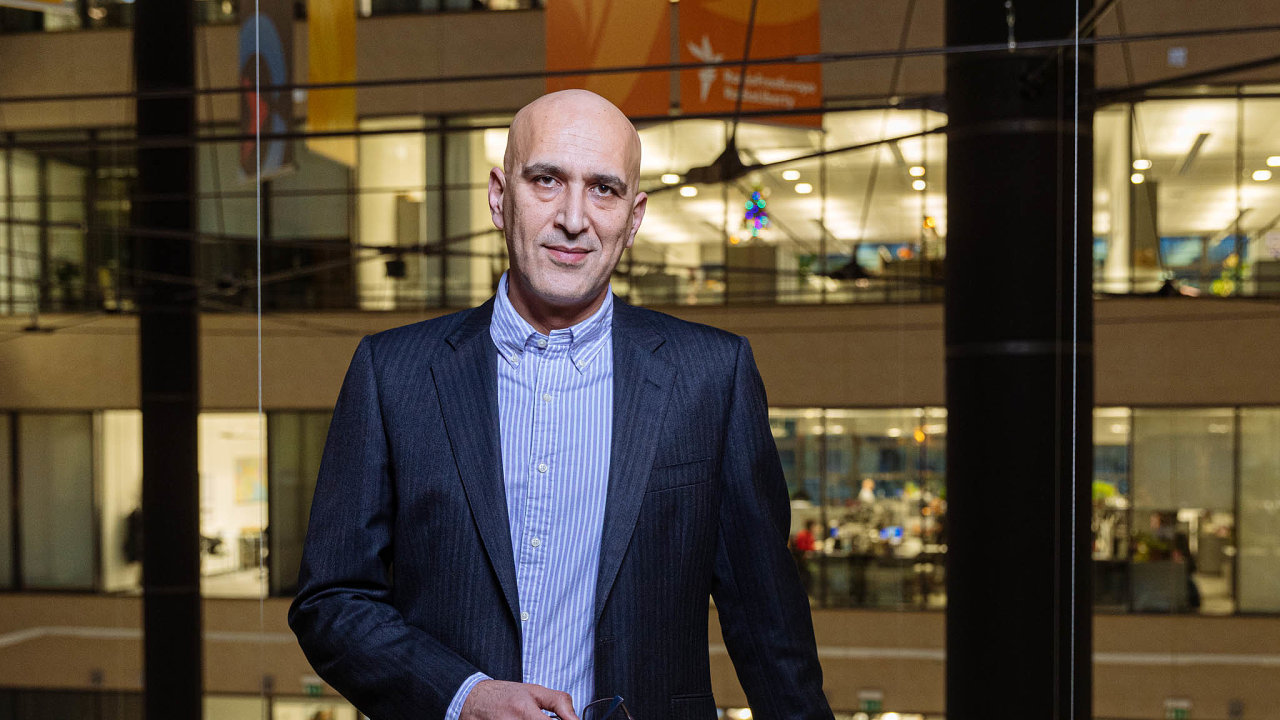Saíd Mehdí Parpančí, ředitel vysílání rádia Farda, součásti Svobodné Evropy.