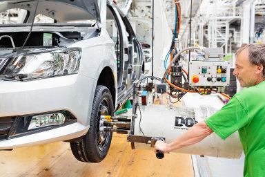Škoda Auto vyrobila 263 589 automobilů, což je o 32,8 procenta méně než loni.