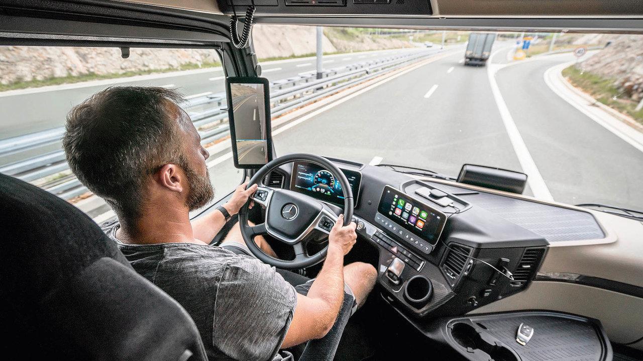 Systematické koučování řidičů apravidelné školení přispívá kzlepšování jejich jízdního stylu atím takékúsporám.