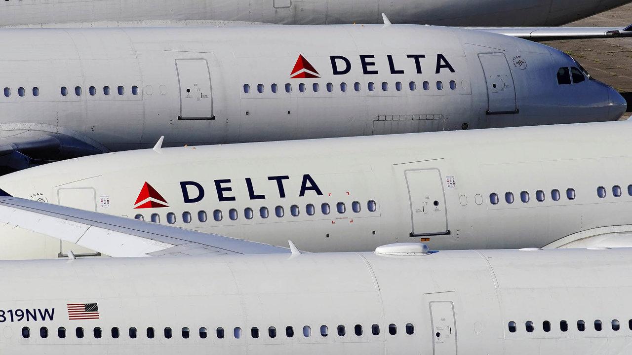 Formou půjček adotací naplaty zaměstnanců získají skoro 60 miliard dolarů američtí letečtí dopravci, které nynější krize kvůli rušení letů silně postihuje.