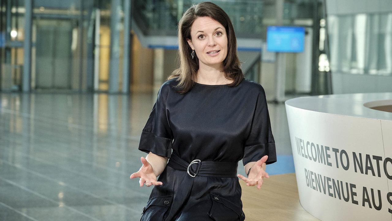 Šéfka atlantické kyberobrany. Chelsey Slacková si na půdě NATO nemůže vynachválit spolupráci s českými kolegy z IT.