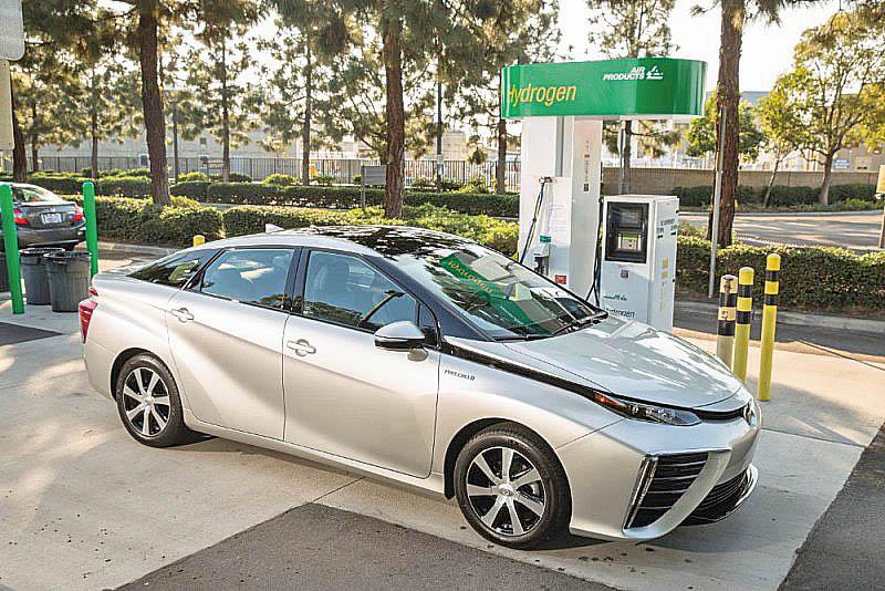Tankování vodíku je podobně rychlé jako u konvenčních aut.