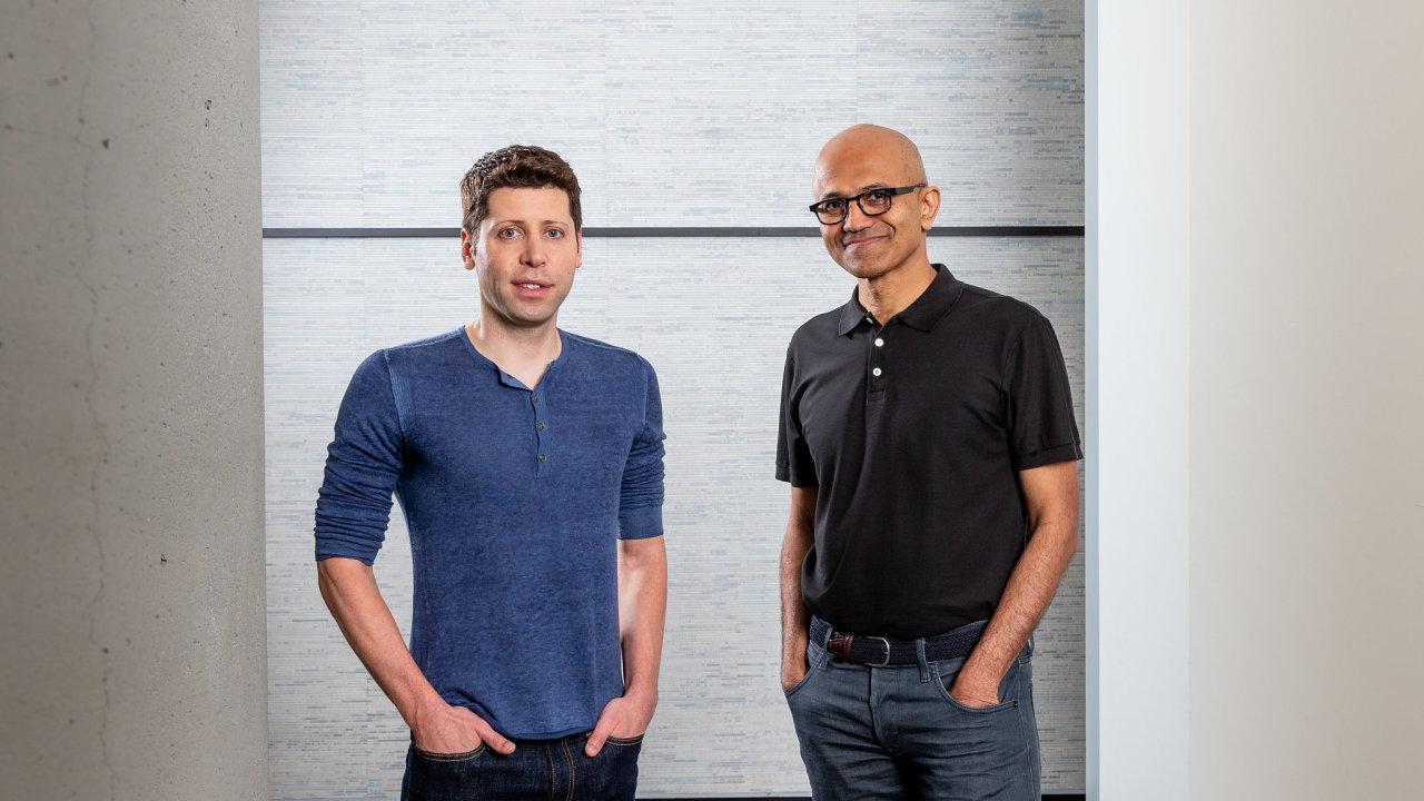 Předloni projekt OpenAI zafinancoval Microsoft, ovšem stím, že výsledky výzkumu bude moci komerčně využít. Nasnímku CEO OpenAI Sam Altman ašéf Microsoftu Satya Nadella (vpravo).