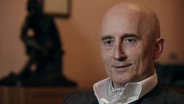 Senátor Valenta firmu založil s otcem a bratrem v roce 1991.