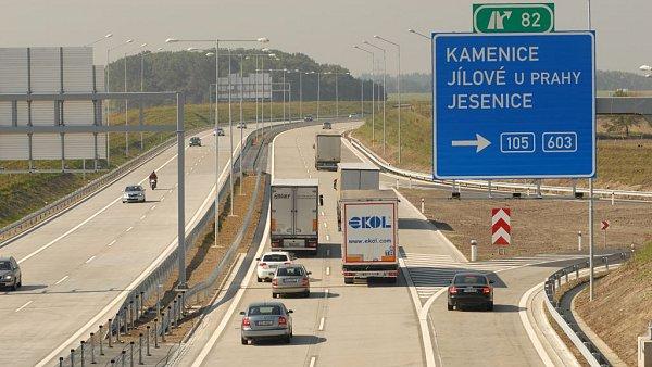 Pražský okruh D0, na kterém nyní probíhá první testování C-ITS, se začal stavět ještě před začátkem projektu C-Roads. Je s ním však plně kompatibilní. - Ilustrační foto.