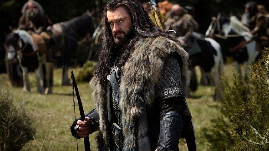 Z trpaslíků v Hobitovi nejvíce vystupuje Thorin Pavéza, který chce zpátky svoje království