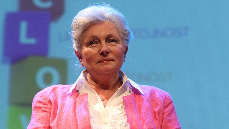 Zuzana Roithová, v pozadí prezentace její kampaně