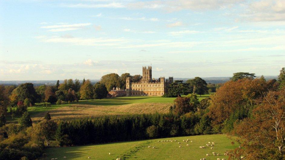 Úspěšný seriál Panství Downton se natáčel mimo jiné na Highclere Castle v Anglii.