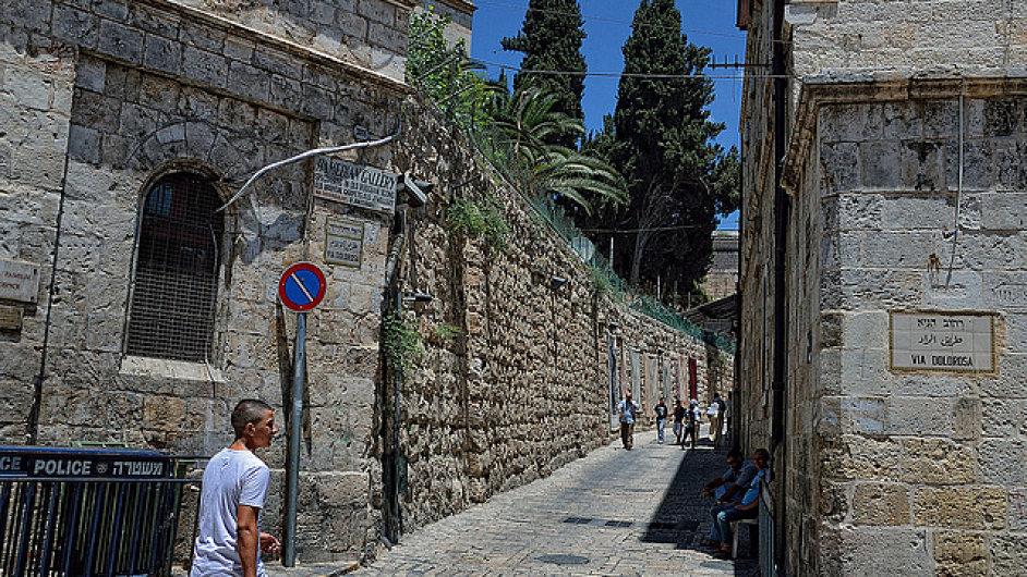 Jeruzalémská Via Dolorosa sleduje poslední kroky Ježíše Krista