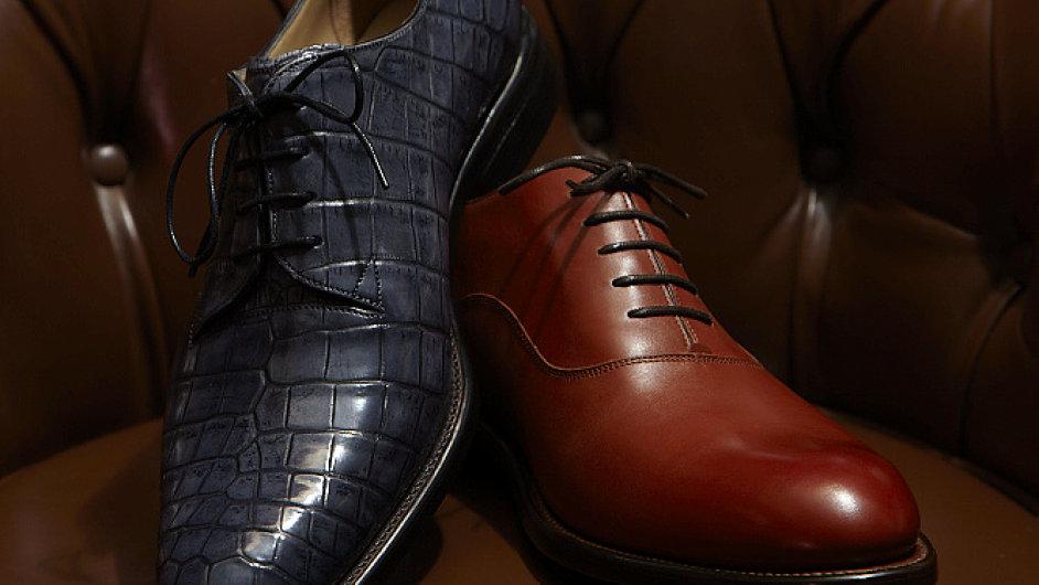 Pánské ručně šité boty od Radka Zachariáše (vlevo derby, vpravo oxford)