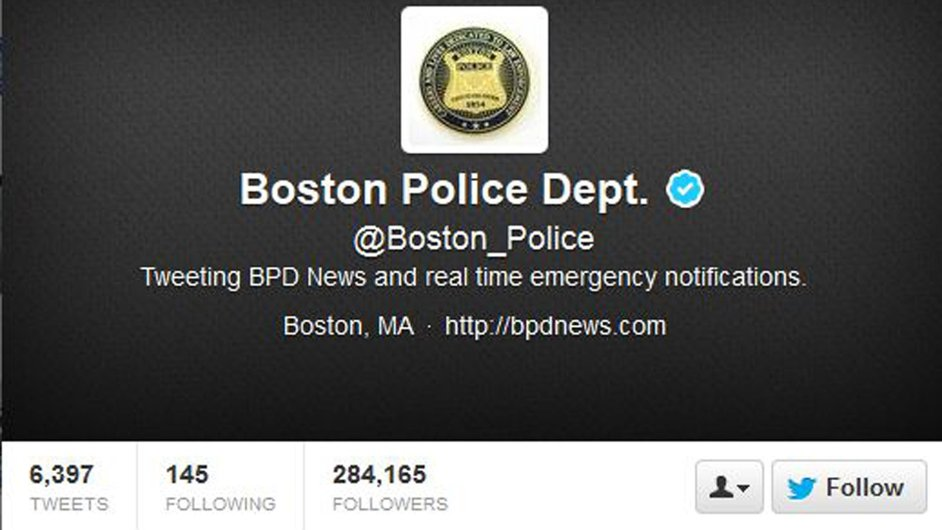 Účet na Twitteru patřící bostonské policii. Právě odsud se svět dozvěděl o dopadení útočníka na maraton.