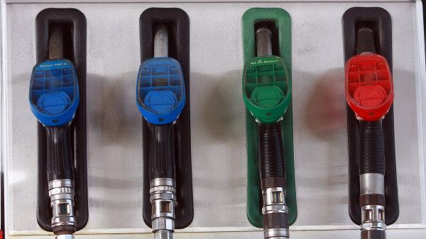 Ceny benzinu a nafty se blíží dnu - Ilustrační foto.