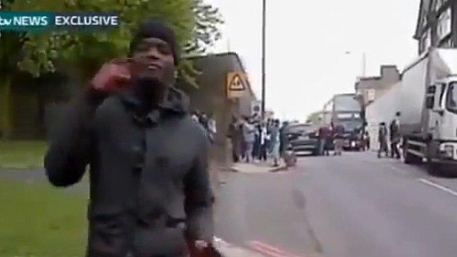 Útočník z Londýna při rozhovoru se svědkem vraždy vojáka