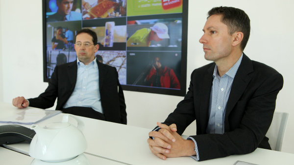 ZLEVA: Christoph Mainusch, Michael Del Nin, generální ředitelé společnosti Central European Media Enterprises (CME), TV Nova