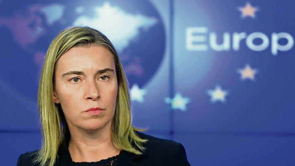 Šéfka unijní diplomacie Federica Mogheriniová jmenovala nezávislého experta k prošetření korupce v misi EULEX v Kosovu