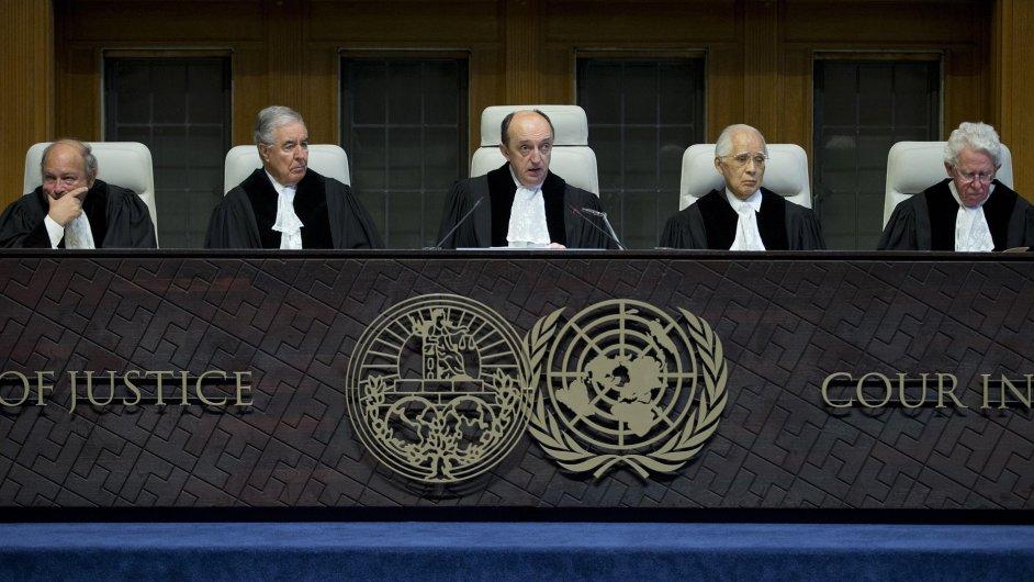 Mezinárodní soudní dvůr v Haagu uznal, že Srbsko ani Chorvatsko na sobě vzájemně nespáchaly genocidu.