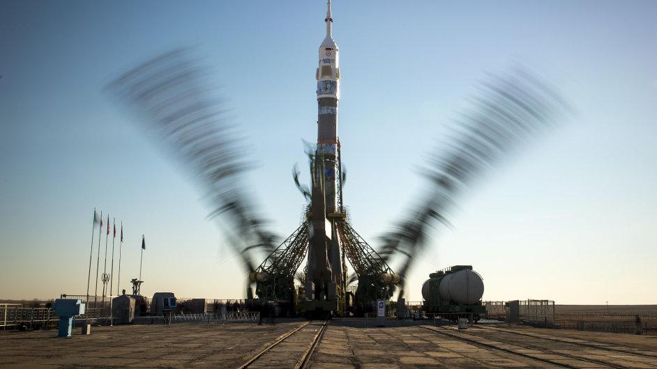 Raketa s dopravní lodí Sojuz TMA-11M