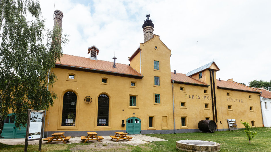 Rekonstrukce Pivovaru Lobeč zatím spolkla zhruba 15 milionů korun.
