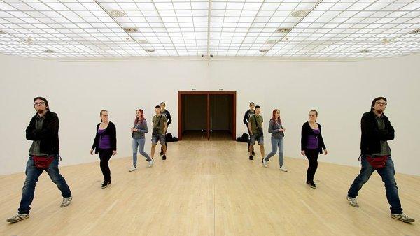 Jedním z exponátů výstavy je Velké zrcadlo z roku 2009.