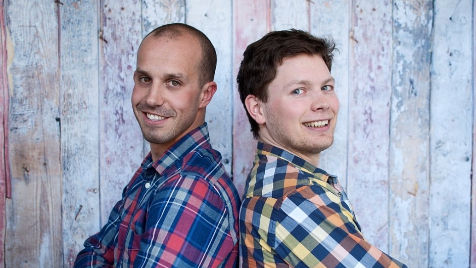 Marek Dyntera (vlevo) a Matěj Zavoral stojí za oříškovými másly značky Šufánek.