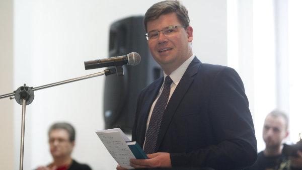 Minulé září křtil Jiří Pospíšil knihu o Medě Mládkové. Teď se možná chystá kandidovat na prezidenta.