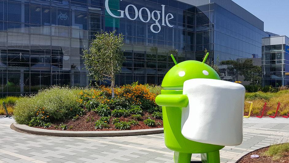 Budova, centrála Googlu - vepředu panáček Android - ilustrační foto