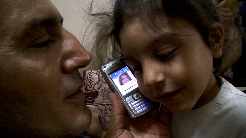 Snímek z vítězného filmu Syrská love story
