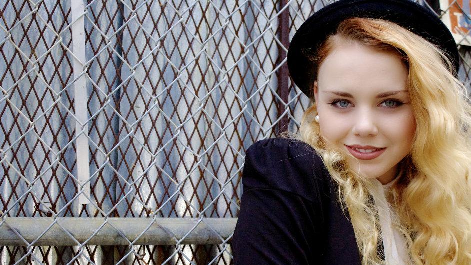 Jana Vaňková pochází z České Kamenice, nyní žije a tančí v Los Angeles.