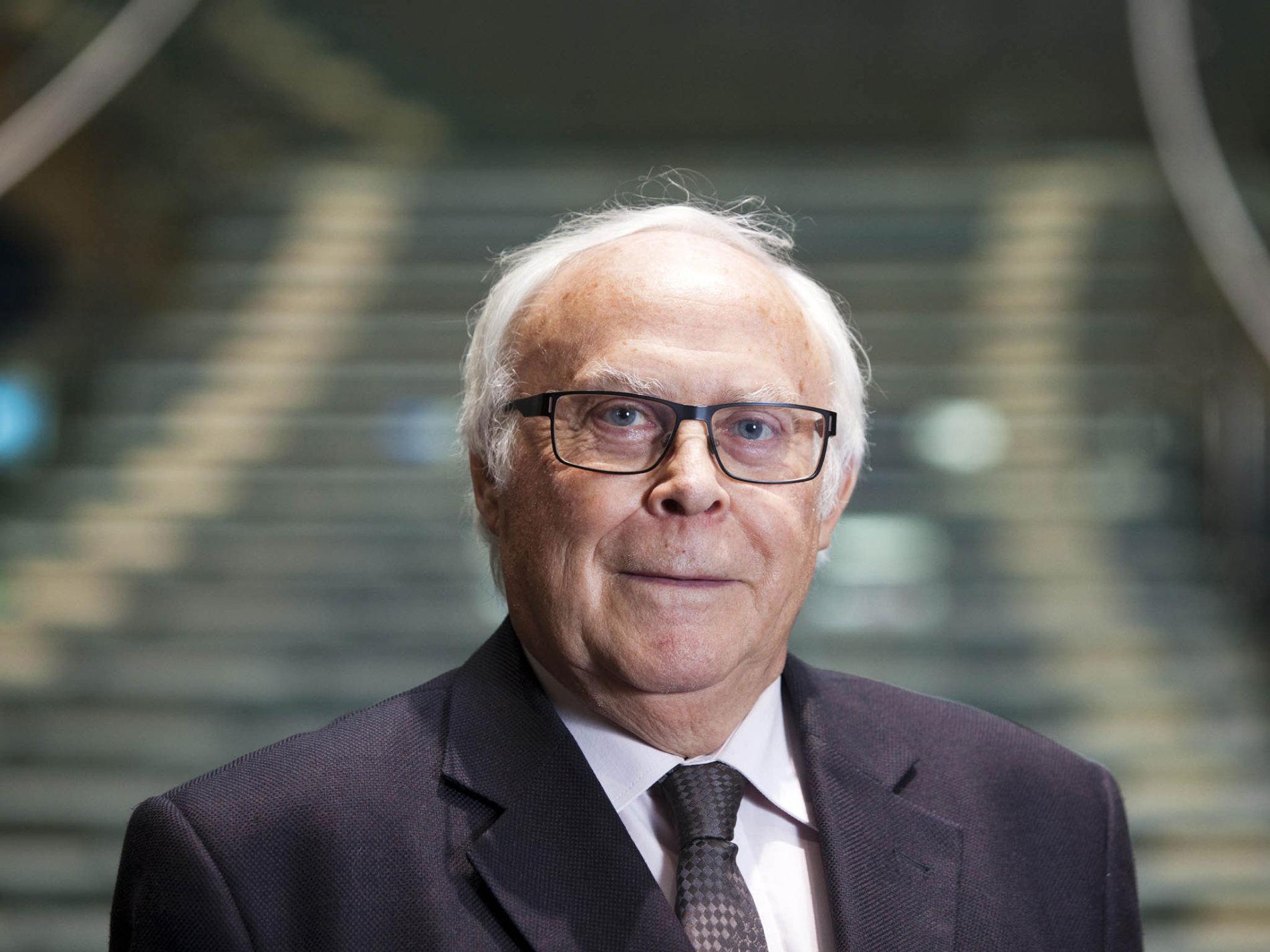 Jaroslav Daňhel, profesor ekonomie na VŠE, katedra bankovnictví a pojišťovnictví