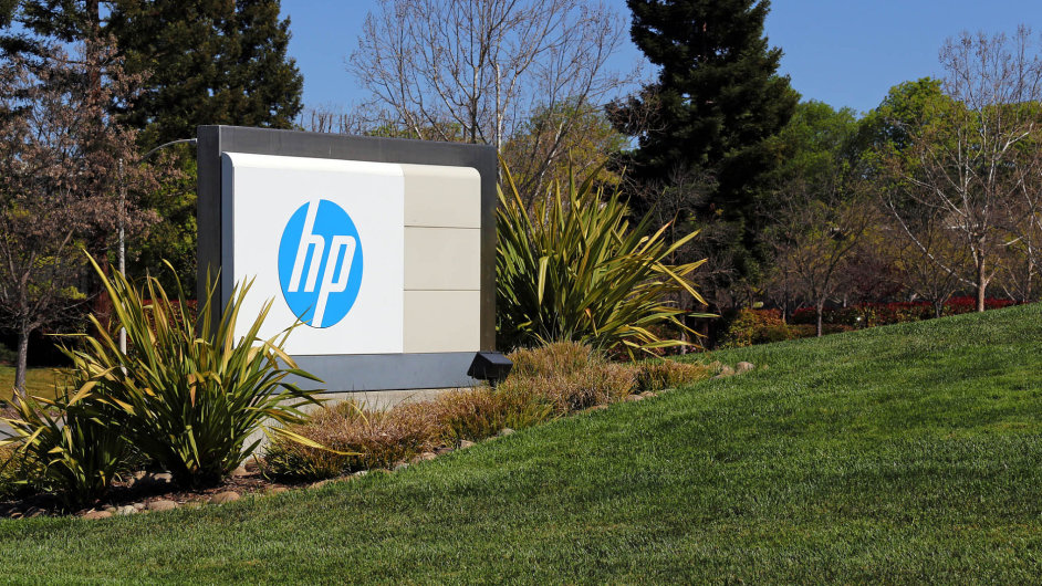 Hewlett-Packard se v roce 2015 rozdělil na dvě firmy: HP Inc. a HP Enterprise. Jedna z divizí HP Enterprise se nyní spojí s Micro Focusem.