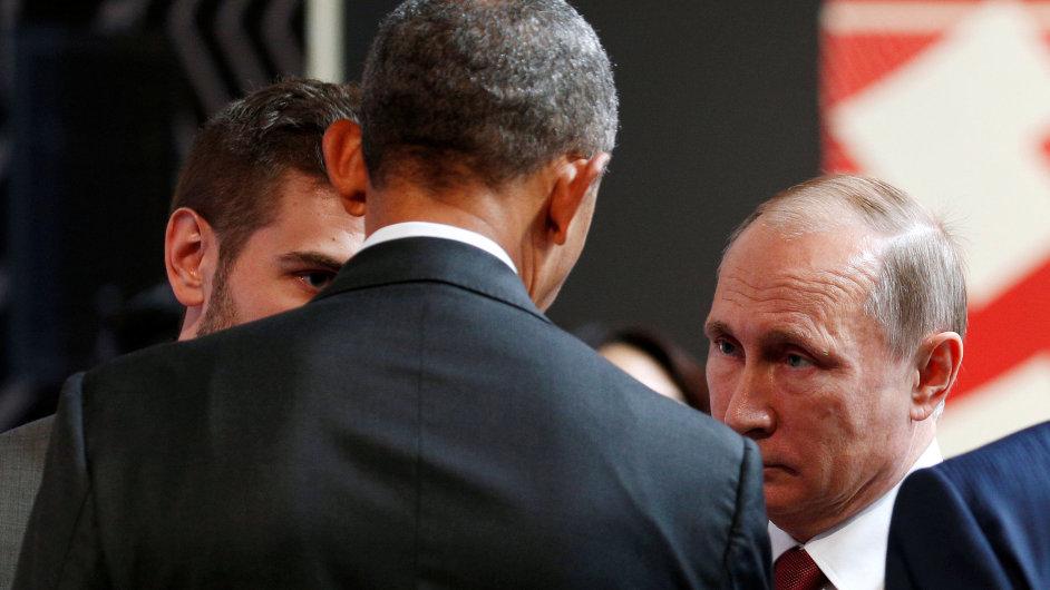 Obama s Putinem se bavili zhruba 4 minuty.