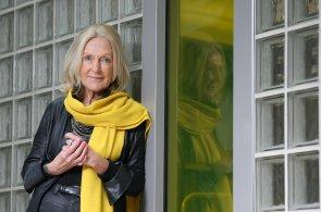 V Česku je málo obchodů, za jejichž designem stojí architekti, říká Eva Jiřičná. Navrhla nový vzhled prodejen Beltissimo