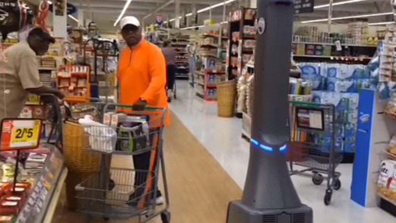 Robot Marty hlídá prodejnu v americké síti patřící pod Ahold