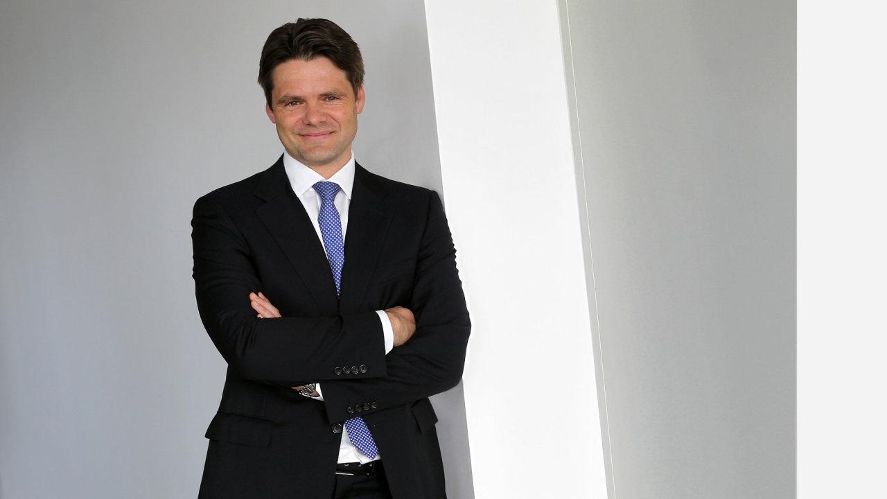 Investiční bankéř Jaromír Sladkovský.