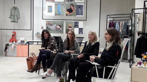 Diskutující zleva: Veronika Ruppert, Martyna Szabadi, Adéla Mazánková a Silvia Haupt Kozoňová.
