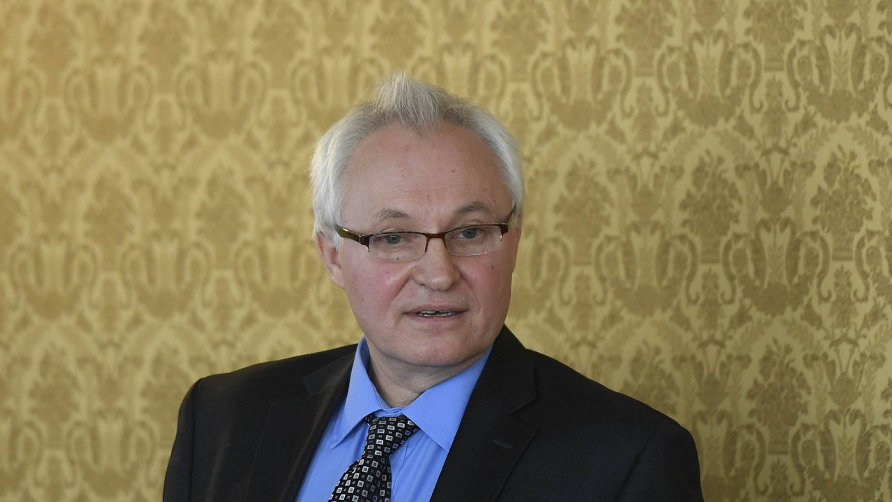 Vědec a ředitel společnosti HE3DA Jan Procházka na snímku z Lichtenštejnského paláce při prezentaci úspěšných inovativních projektů v rámci představení inovační strategie ČR do roku 2030.