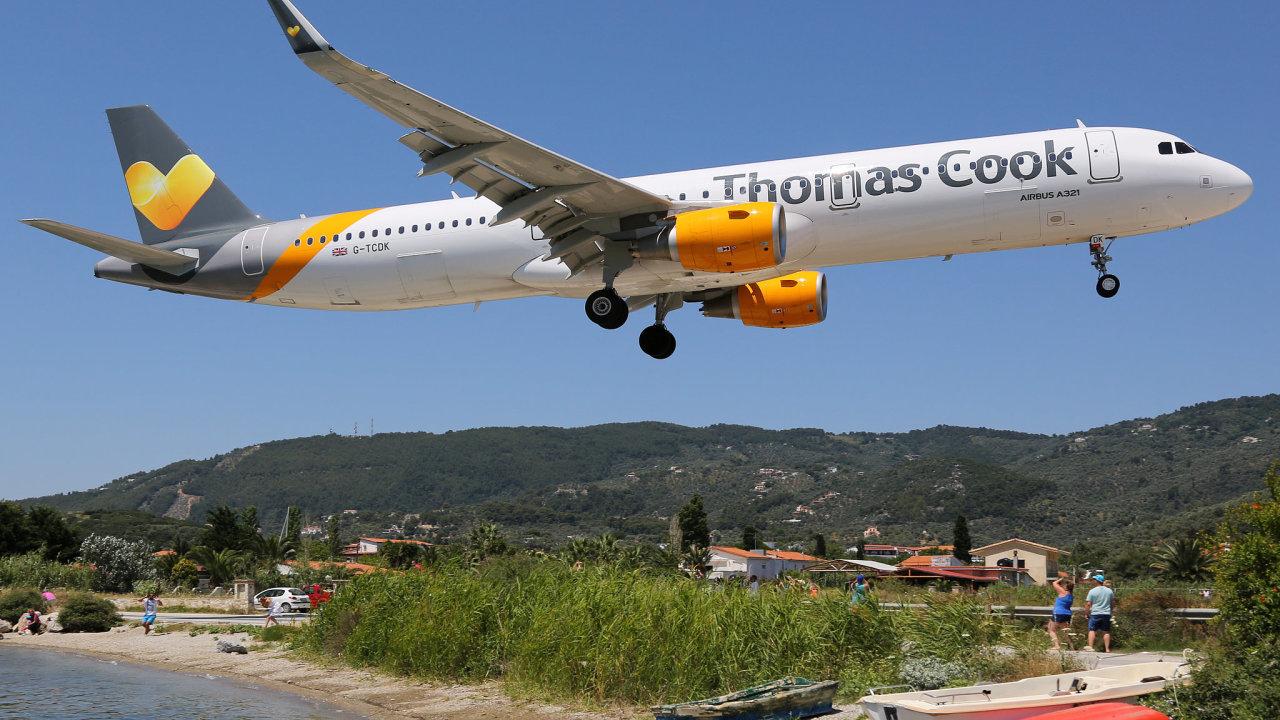 Cestovní kancelář Thomas Cook dluží podle Financial Times celkem 1,9 miliardy liber