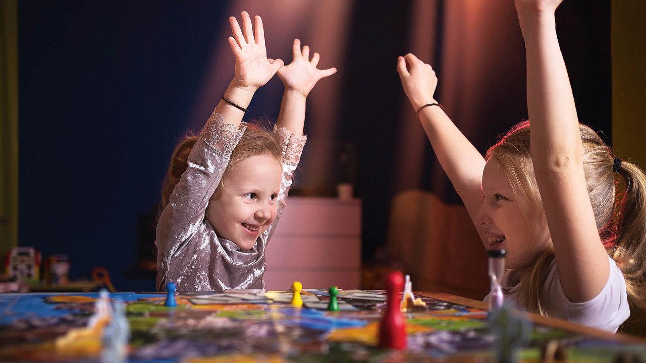 Zažíváme boom kooperačních her, vekterých hráči nesoupeří mezi sebou, ale naopak se snaží co nejlépe spolupracovat.