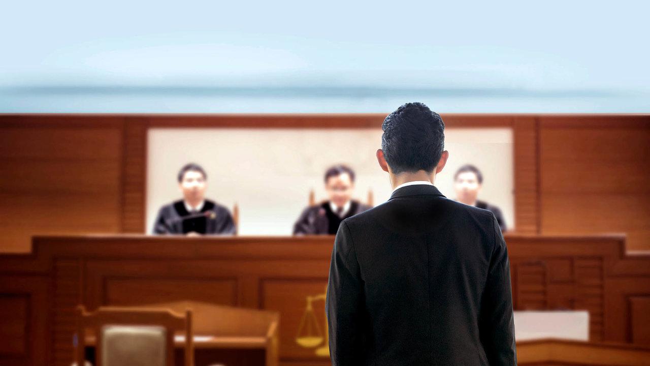 Koronavirová doba tlačí soudy k častějšímu využívání výslechů on-line.
