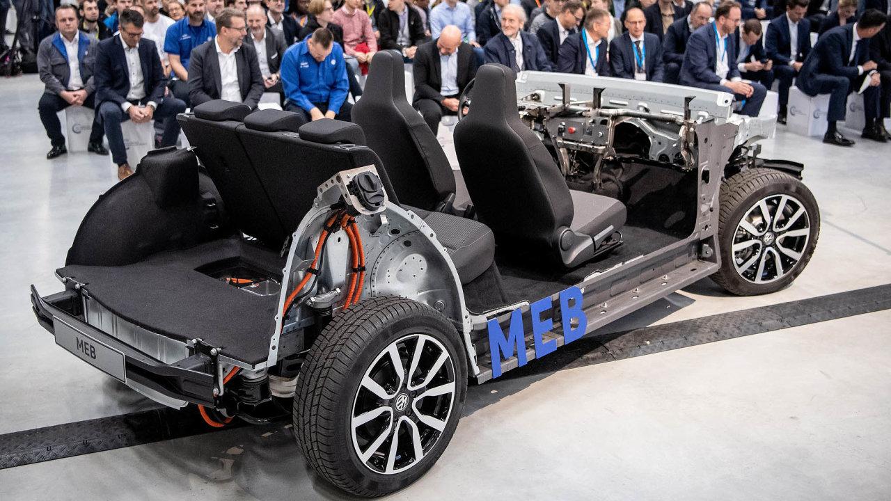 Automobilka Ford kvůli úsporám využije pro svůj elektrovůz platformu MEB odkoncernu Volkswagen.