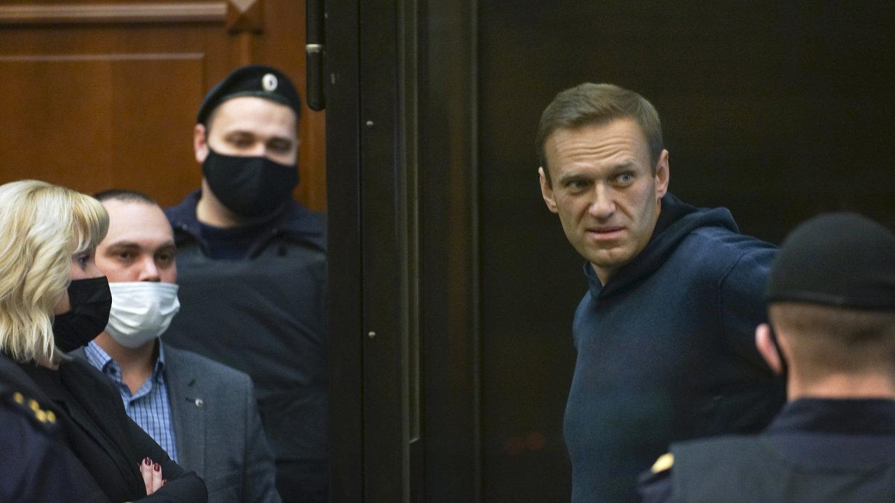 Navalnyj během soudního líčení