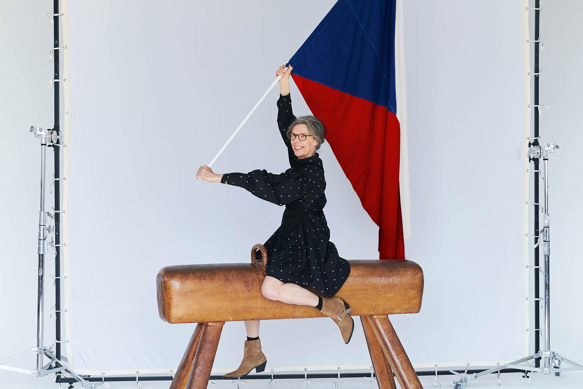 Výstava Česká radost propojuje český design a výtvarné umění. Instalace představí téměř 20 umělců a designérů.