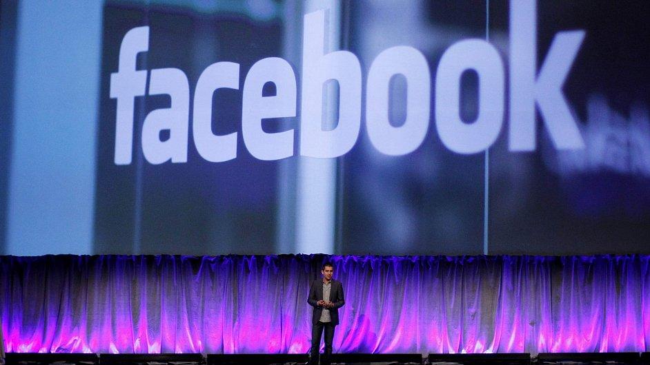 Facebook míří na NASDAQ