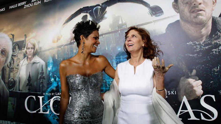 Halle Berryová a Susan Sarandonová na premiéře filmu Atlas mraků