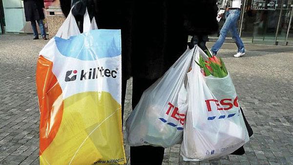 Senát schválil zpoplatnění plastových tašek v obchodech