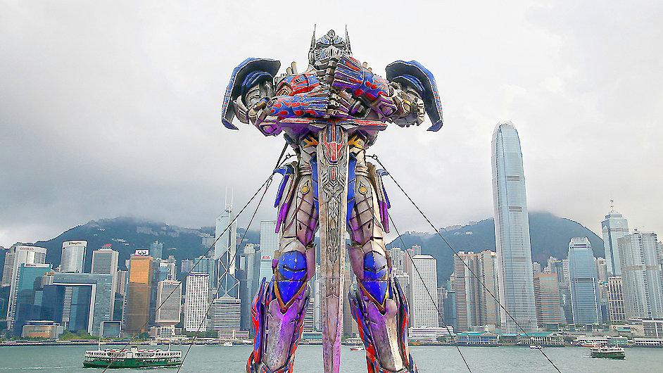 Model robota Optimuse Primea před hongkongskou premiérou Transformers.