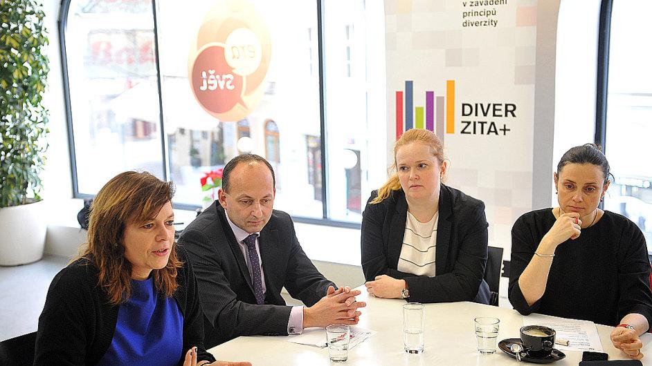 Diskuse o rovném zastoupení mužů a žen v tuzemských firmách