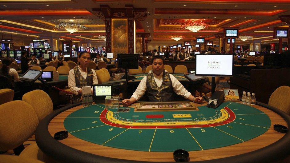 Ženy propadají spíše on-line hazardu. Ilustrační foto